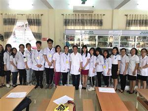 Học sinh THPT Hào hứng tham gia hoạt động trải nghiệm thực tế Một ngày là sinh viên ...