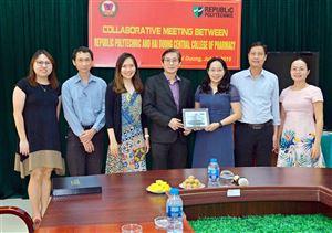 Đoàn đại biểu của Trường Republic Polytechnic - Singapore sang thăm và làm việc...