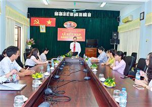 Sinh viên ưu tú  được kết nạp vào Đảng Cộng sản Việt Nam