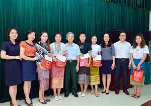 Gặp mặt và tặng quà cho sinh viên Lào Nhân dịp Tết cổ truyền Bunpimay - Lào
