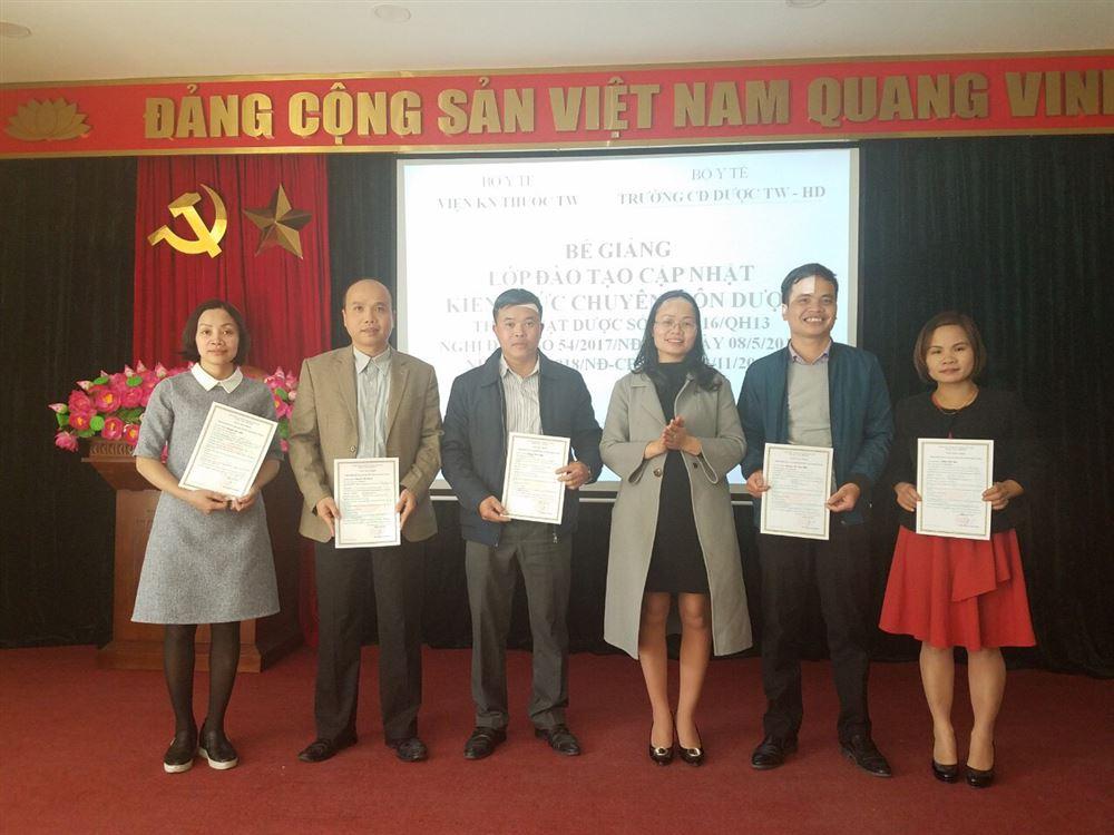 Tổ chức thành công lớp đào tạo cập nhật kiến thức chuyên môn Dược tại Hà Nội