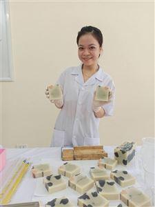 """Nữ cán bộ trẻ Trường Cao đẳng Dược trung ương Hải Dương tâm huyết, sáng tạo làm nên thương hiệu """"Xà bông handmade Limi"""""""